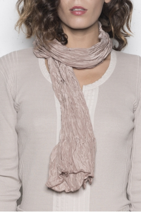 Wrinkled scarf 53% Viscose 40% Micromodal 7% Silk
