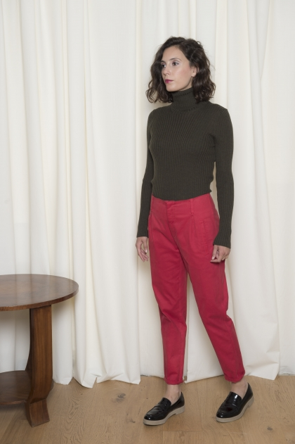 Pantalon court gabardine stretch 93% coton 6% laine 1% élasthane