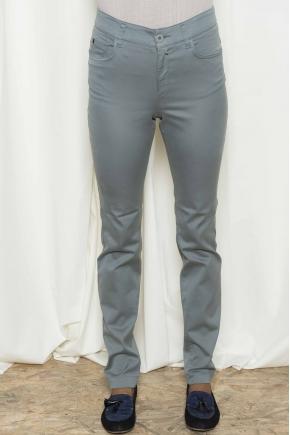 Pantalon 5 poches en satin strech 66% Coton 31% polyamide 3% élasthanne