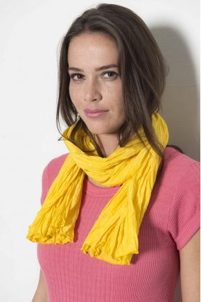 Ruffled scarf 53% Viscose 40% Micromodal 7% Silk