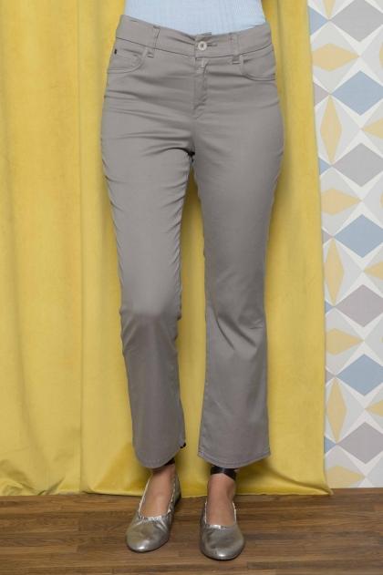 """Pantalon court en """"satin strech"""" 66% Coton 31% polyamide 3% Elasthanne"""