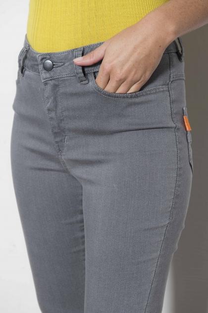 Pantalon denim délavé 50% coton 32% cupro 16% polyster
