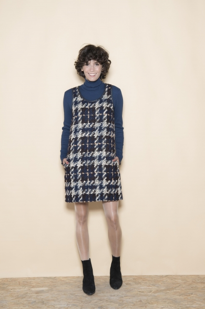 Dress 47% Wool 16% Polyamide 10% Cotton 10% Acrylic 4% Polyester