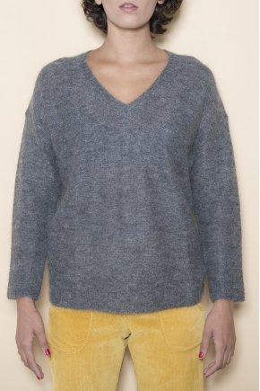V-neck sweater mohair 70% super kid mohair 25% polyamide