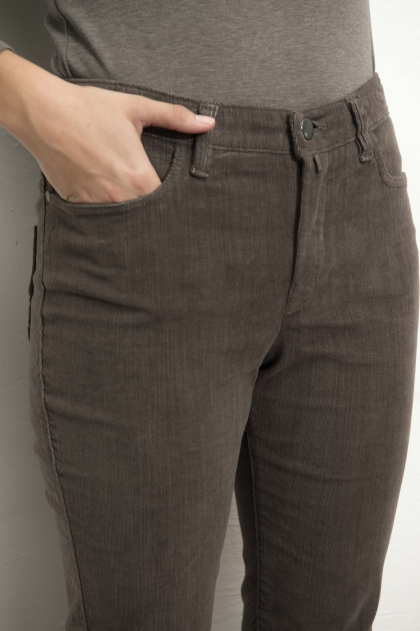 "Stretch ""flamed"" corduroy pants 82% cotton 18% Elastomultiester"