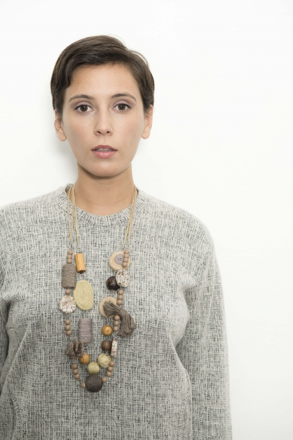 Necklace in wood and hemp