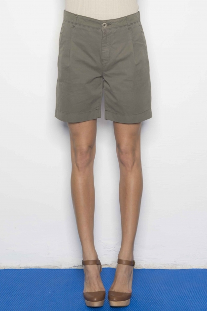 Fine gabardine shorts used 100% Cotton