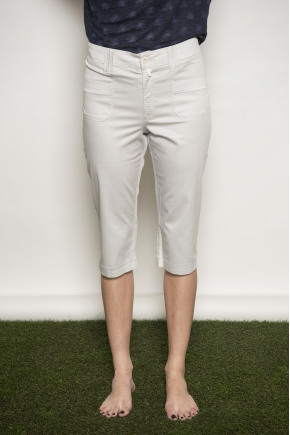 Croped Pant in satin extra fine en 97 % cotton 3 % elastane