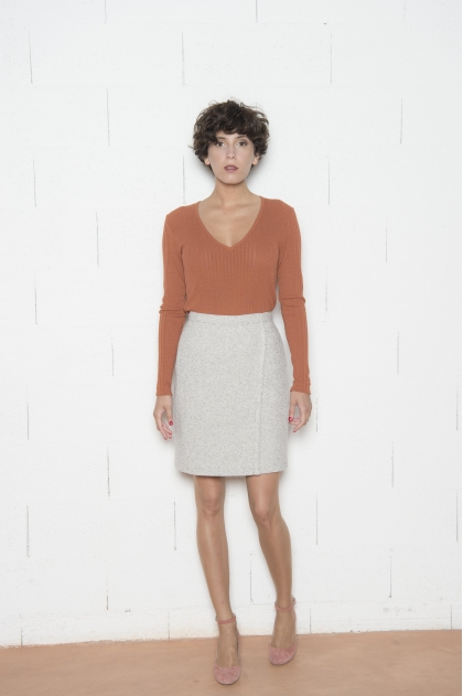 Skirt 48% WOOL 23% COTTON 28% POLYAMIDE 1% ELASTANE