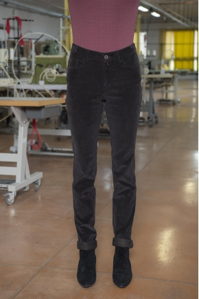 Velvet trousers stretch ribs 80% COTTON 18% POLYAMIDE 2% ELASTANE