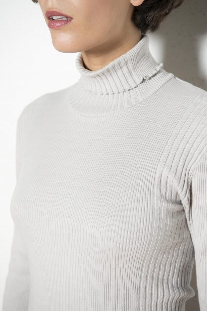 Rib turtleneck sweater in ribbed knit