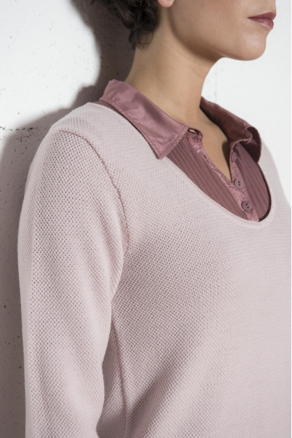 V-neck knit sweater with lurex trim and sleeves 100% MERINOS EXTRAFINE WOOL