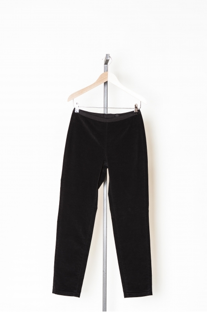 Pantalon slim velours côtelé très fin 80% coton 18% polyamide 2% lycra