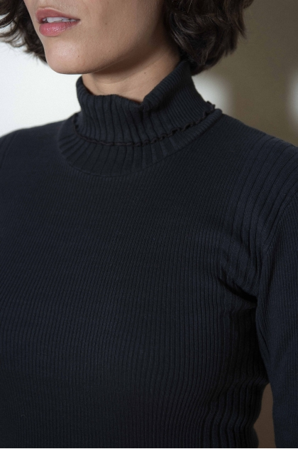 Ribbed knit turtleneck sweater 100% cotton