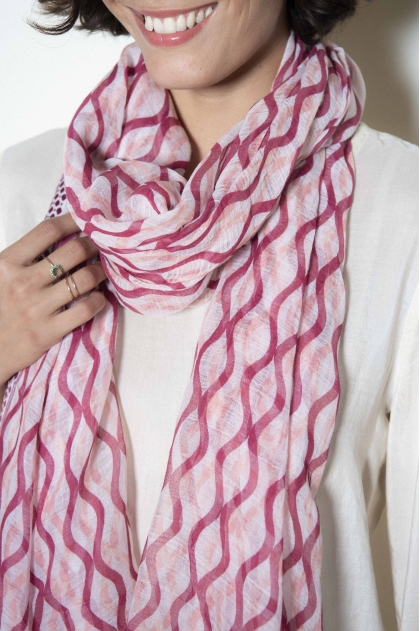 95% cotton 5% polyamide scarf