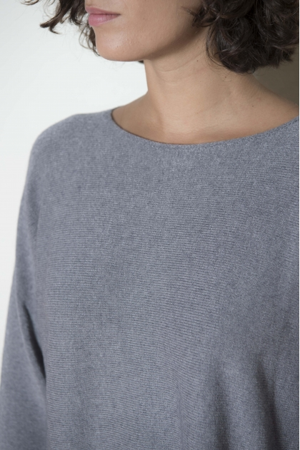 Sweater 65% Viscose 30% Polyester 5% Angora