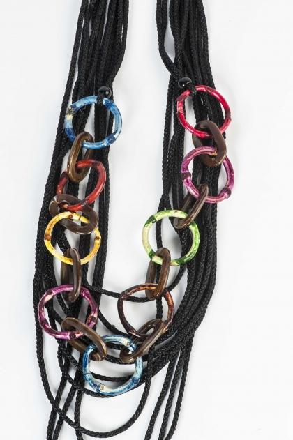 Collier à anneaux multicolors