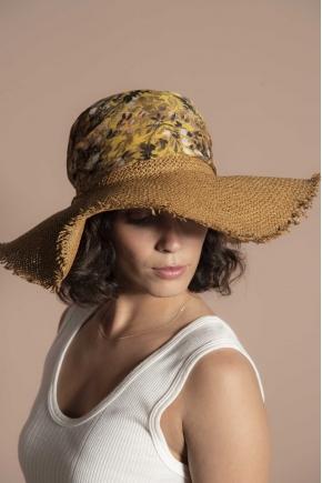 100% polyamide hat