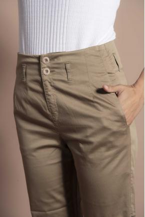 Pantalon court satin léger 97% coton 3% élasthanne
