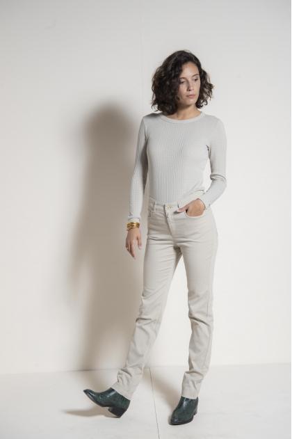 "Slim pants 5 pockets in ""satin strech"" 66% Cotton 31% polyamide 3% Elastane"