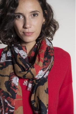Scarf 70 x 190 cm 80% wool 10% silk 10% cashmere