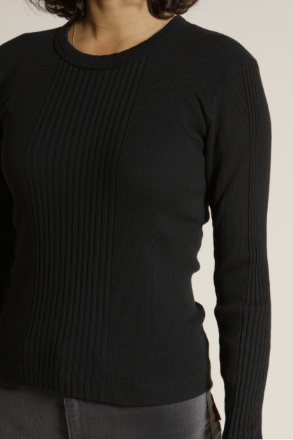Long-sleeved ribbed knit T-shirt in 100% cotton