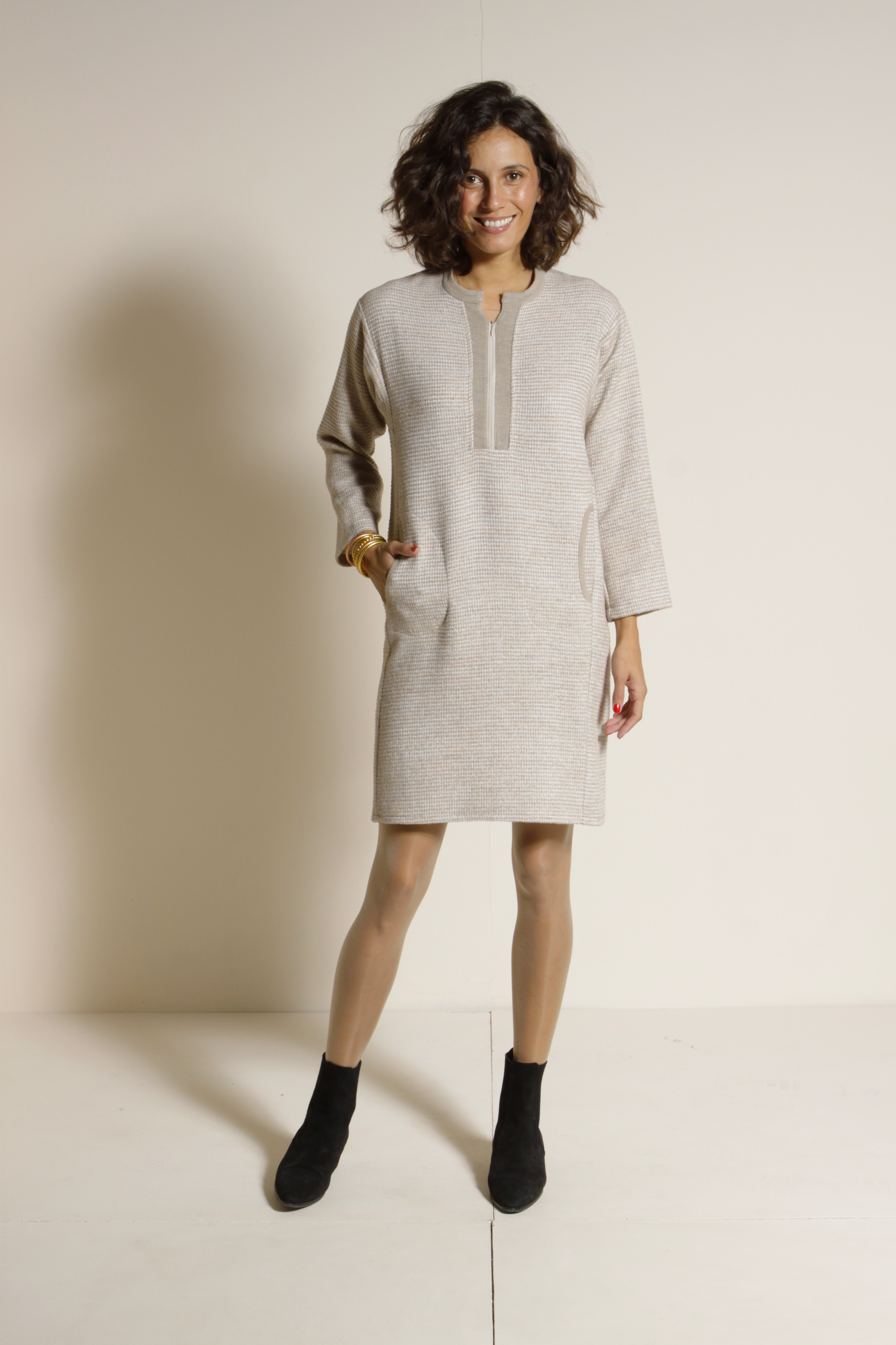 Dress 55% Virgin Wool 35% Viscose 10% Polyester