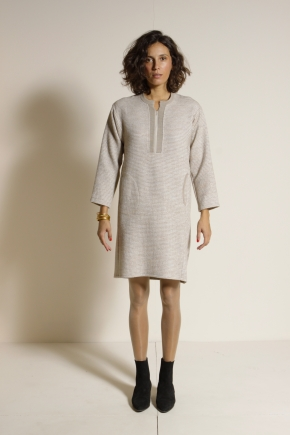 Robe 55% Laine Vierge 35% Viscose 10% Polyester