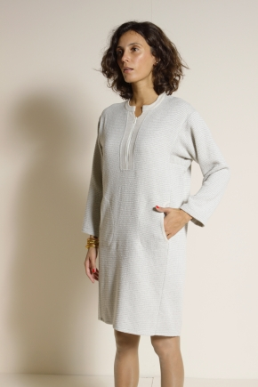 Dress 43% Virgin Wool 47% Viscose 10% Polyester