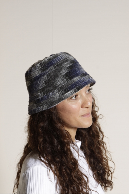 Hat 94% Polyamide 6% Wool