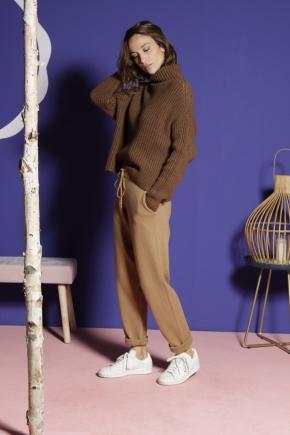 Pantalon 41% nylon 31% viscose 28% polyester